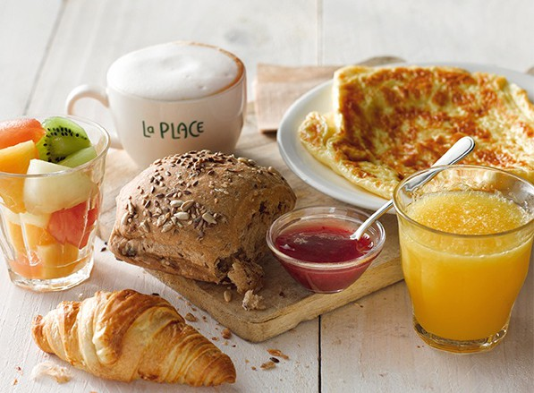 Завтрак в La Place